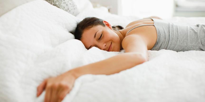 Estudio: Las mujeres necesitan dormir más que loshombres